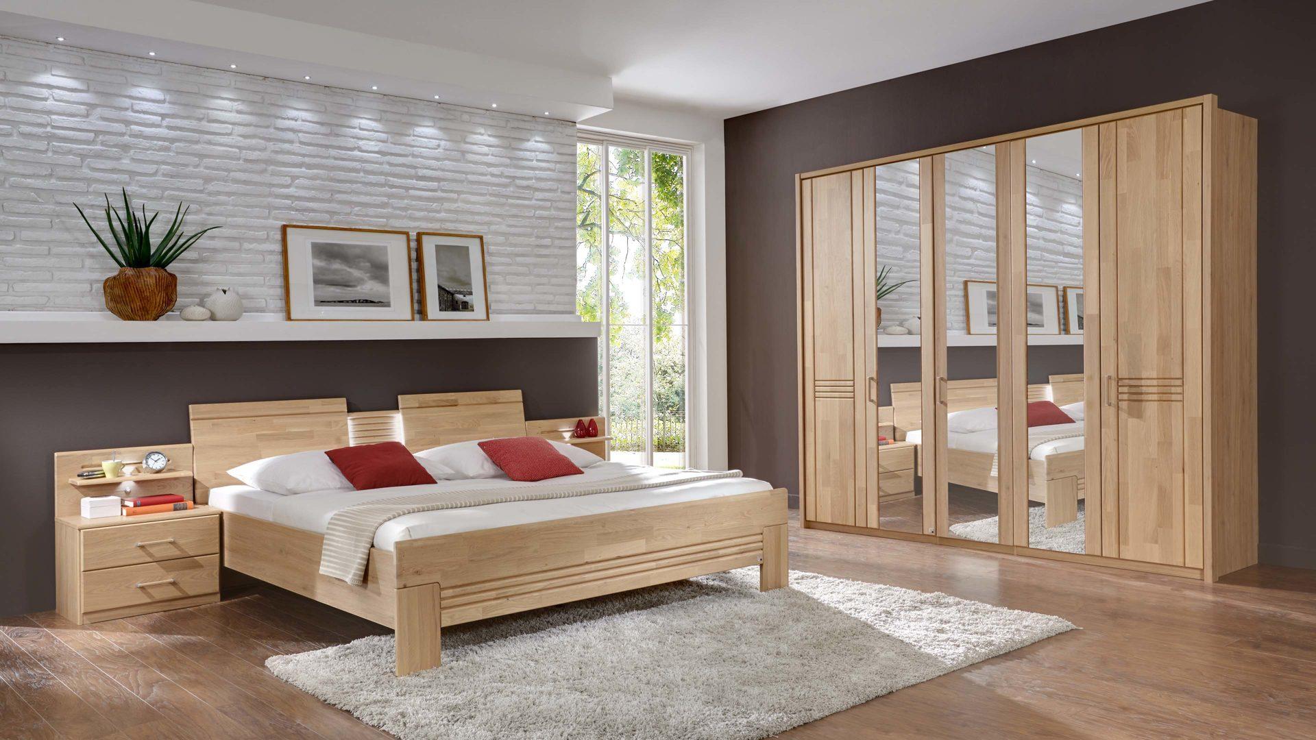 Hoffmann Möbel Guben, Schlafzimmer mit Kleiderschrank und Doppelbett ...